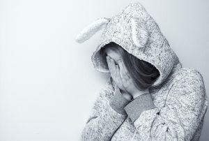 Nenechať dieťa samé s problémom je pri šikane to najdôležitejšie