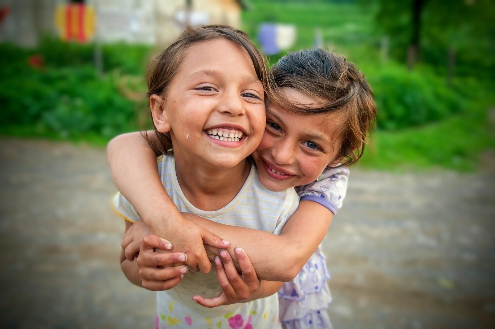 Zoznámte sa s webom dobrovolniporadcovia.sk pre náhradné rodiny s rómskymi deťmi